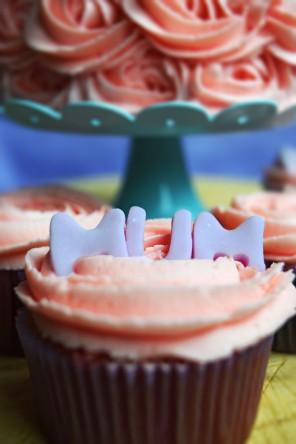 Pink Mum cupcake